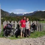 Devant les clôtures patagones